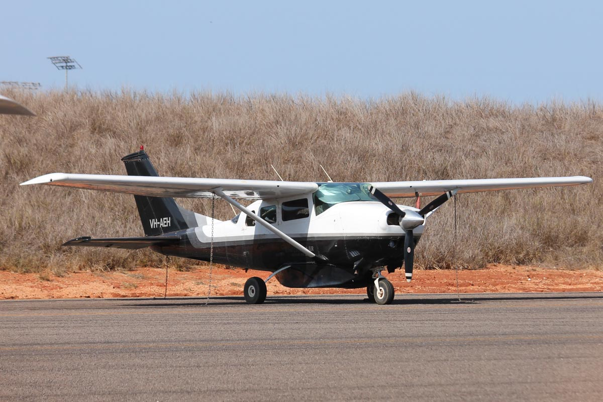 VH-AEH Cessna U206F Stationair (MSN U20601709) owned by King Leopold Air, at Broome Airport - 25 October 2015. Built in 1971, ex N1599C, (N9509G). Photo © Jonathan Williams
