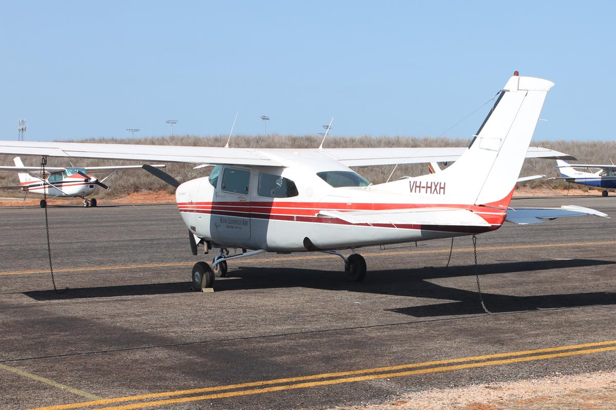 VH-HXH Cessna 210N Centurion (MSN 21063847) owned by King Leopold Air, at Broome Airport - 25 October 2015. Built in 1980, ex N6260C. Photo © Jonathan Williams