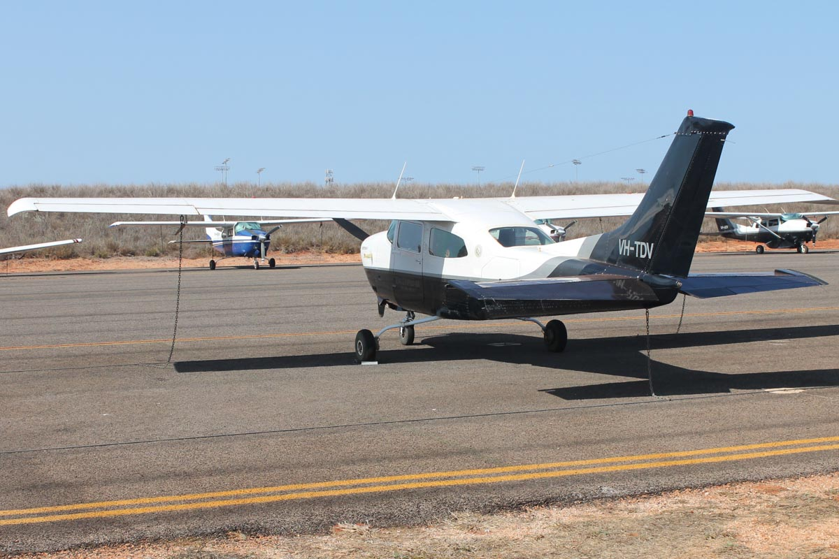 VH-TDV Cessna 210L Centurion II (MSN 21061553) owned by King Leopold Air, at Broome Airport - 25 October 2015. Built in 1976, ex N732JR. This aircraft was previously owned by Trans-West Airlines. Photo © Jonathan Williams