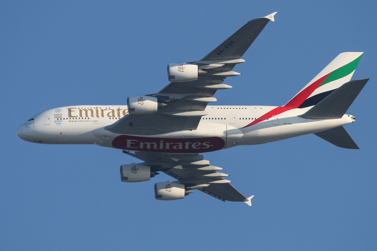A6-EOH Airbus A380-861 (MSN 174) of Emirates, over the northern suburbs of Perth – Tue 3 November 2015. No longer wears the 'Rugby World Cup 2015 - England 2015' decals on the rear fuselage. Flight EK420 flying northeast along the 9 DME arc at 5:43pm before turning right to join the approach to Perth Airport's runway 21. Photo © David Eyre