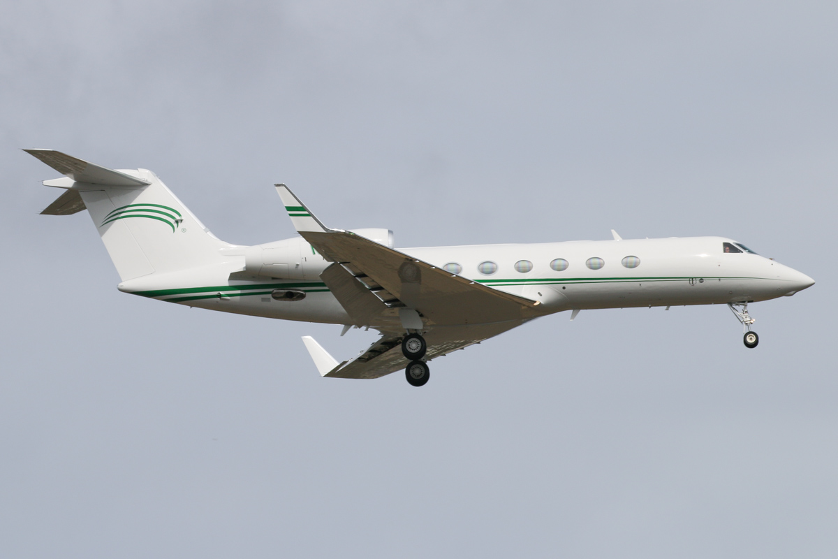 N450KR Gulfstream G-450 (G.IV-X) (MSN 4044) owned by Alsco Inc., of Salt Lake City, Utah, USA, at Perth Airport - Thu 5 November 2015. First visit to Perth. On final approach to runway 21 at 3:30pm, arriving from Subang, Malaysia. Alsco Inc was founded in 1889 and provides purchase, rental, leasing, and laundry services for linens and uniforms, and supplies washroom and hygiene products. N450KR was built in 2006 and initially registered N644GA by Gulfstream, then was registered N663CP with ConocoPhillips Company in August 2006, before being registered N450KR in April 2010. It was acquired by Alsco in August 2014. Photo © David Eyre