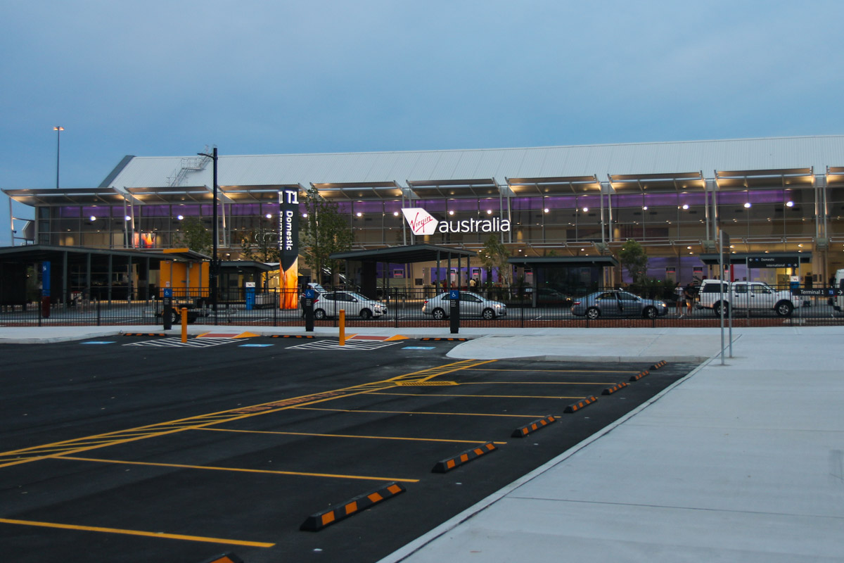 Terminal 1 Domestic on the first day of operations, Perth Airport - Sun 22 November 2015. View of the terminal at 5:13am, 33 minutes before the doors opened. Terminal 1 International is off to the right of this photo. Photo © David Eyre