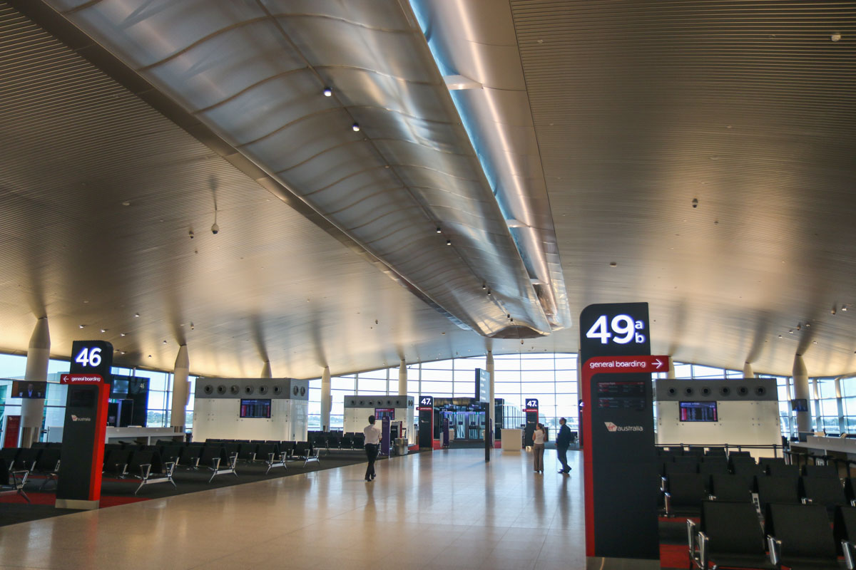 Terminal 1 Domestic on the first day of operations, Perth Airport - Sun 22 November 2015. The western end of the new Terminal 1 Domestic pier, which provides views of the runways and taxiways. The double-glazed windows reduce noise, but may cause some reflections and distortion when photographing aircraft. Photo © David Eyre