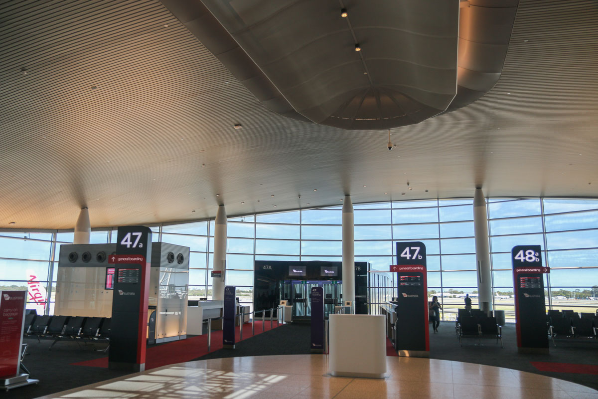 Terminal 1 Domestic on the first day of operations, Perth Airport - Sun 22 November 2015. The west end of the new Terminal pier. These windows provide a reasonably good view of the runways and taxiways. Photo © David Eyre