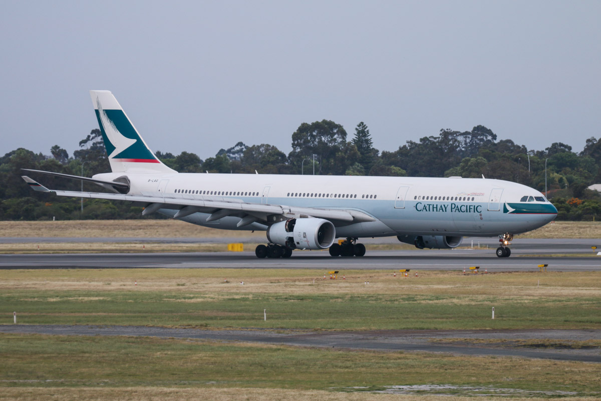 B-LAG Airbus A330-343X (MSN 895) of Cathay Pacific, seen from left of Gate 47A/Bay 147, Terminal 1 Domestic, Perth Airport - Sun 22 November 2015. Landing on runway 03 at 6:11am as CX137 from Hong Kong. Photo © David Eyre