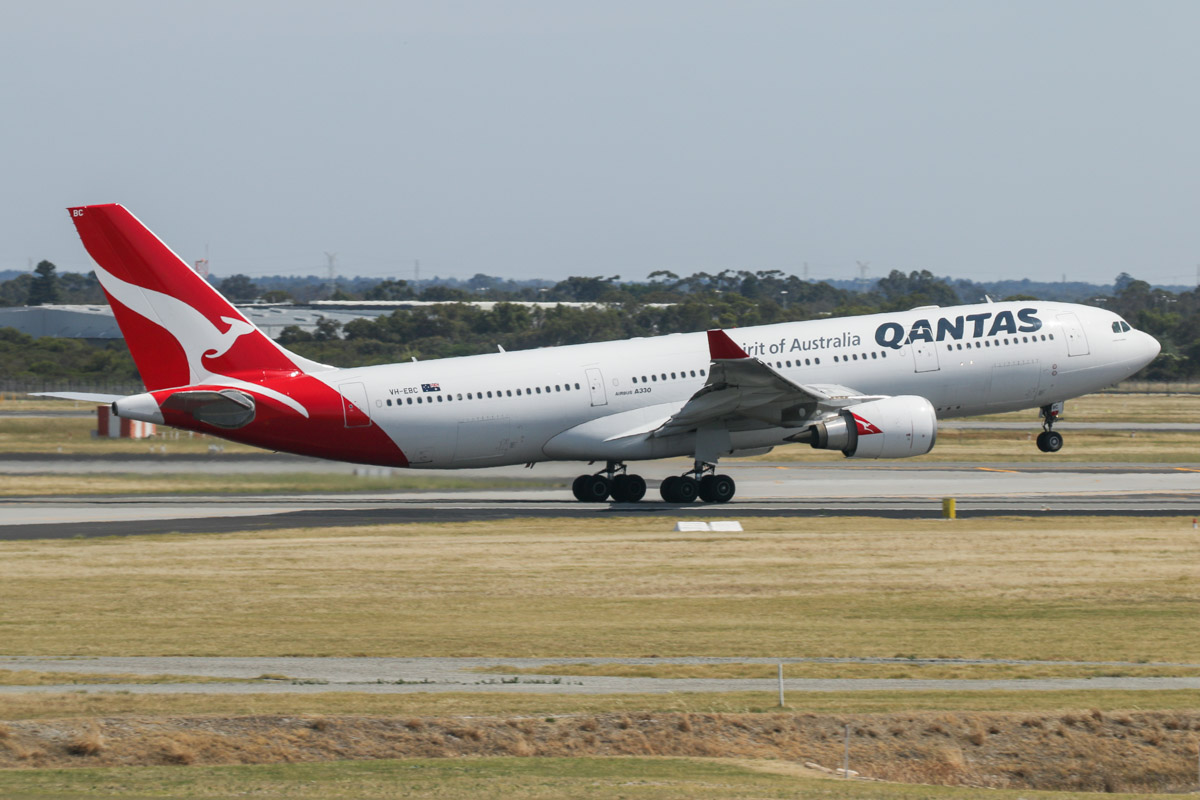 VH-EBC Airbus A330-203 (MSN 506), named 'Surfers Paradise' of Qantas, seen from Gate 50/Bay 150, Terminal 1 Domestic, Perth Airport - Sun 22 November 2015. Taking off from runway 06 at 9:25am as QF642 to Sydney. Photo © David Eyre