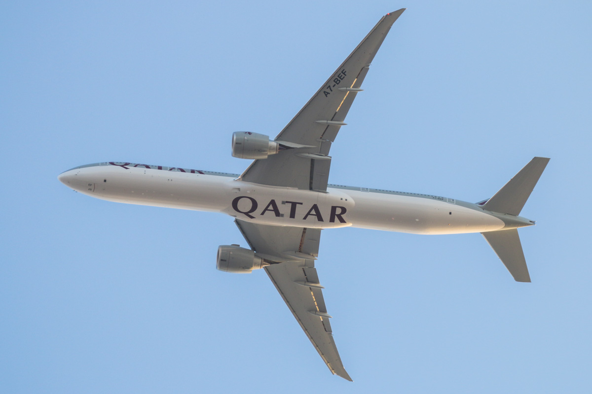 A7-BEF Boeing 777-3DZ ER (MSN 60332/1351) of Qatar Airways, over the northern suburbs of Perth - Mon 23 November 2015. First visit to Australia. This aircraft made its first flight on 23 Oct 2015 and was delivered to the airline on 19 Nov 2015, just a few days before this photo. This was its 3rd revenue service. QR902 from Doha at 6:24pm, heading east before joining the approach to Perth Airport's runway 21. Photo © David Eyre
