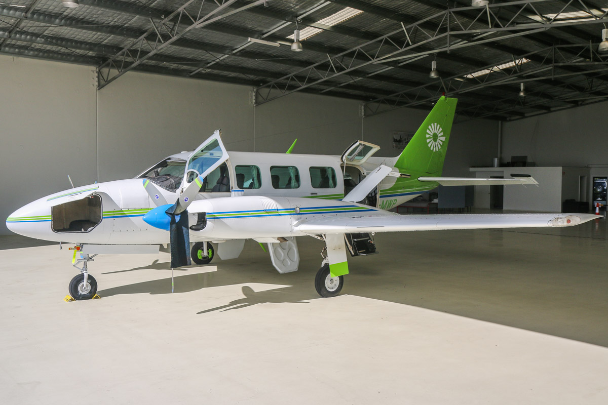 VH-MWP Piper PA-31-350 Navajo Chieftain (MSN 31-8352005) operated by Fly Orana (South Pacific Airways Pty Ltd), at Jandakot Airport - Sat 28 November 2015. Built in 1982, ex N4109C. This aircraft is normally based in NSW, and arrived in Jandakot on 5 November 2015. Photo © David Eyre