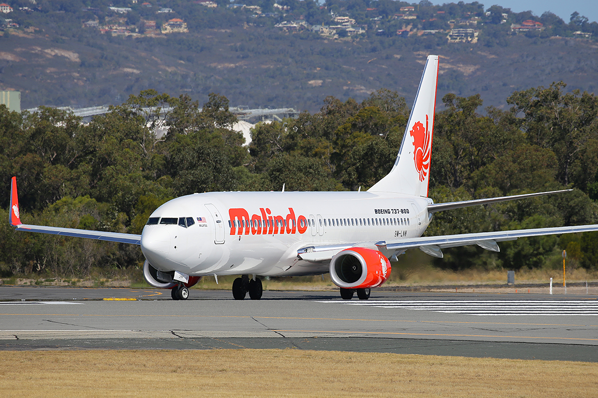 9M-LNW Boeing 737-8GP (MSN 39875/5616) of Malindo Air, at Perth Airport – 1 Dec 2015.