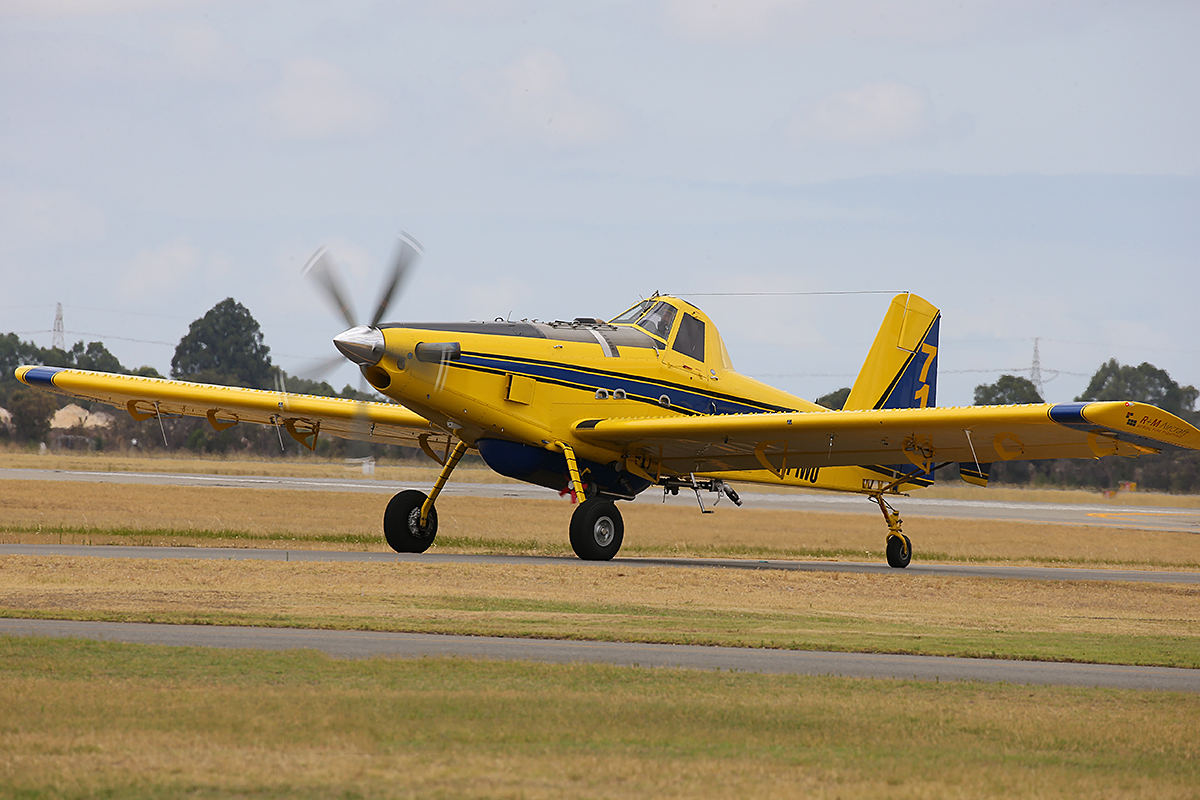 VH-IWU Air Tractor AT-802A (MSN 802A-0558) of R & M Aircraft Pty Ltd at Jandakot Airport – 11 Jan 2016.