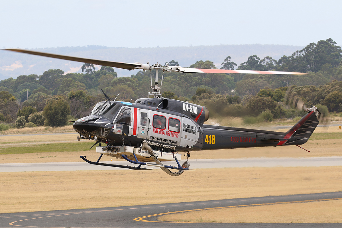 VH-SMI Bell 214B1 (MSN 28011) of McDermott Aviation Pty Ltd at Jandakot Airport – 11 Jan @016.