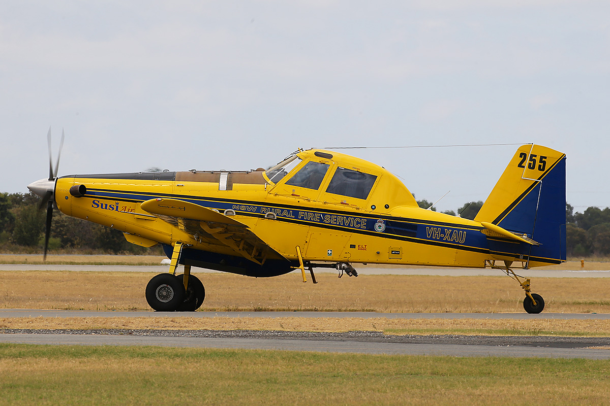 VH-XAU Air Tractor AT-802 (MSN 802-0137)of Kennedy Aviation, for the NSW Rural fire service at Jandakot Airport – 11 Jan 2016.