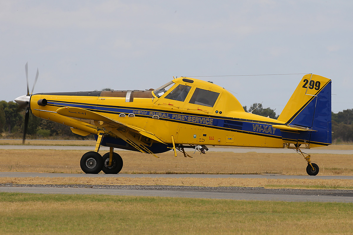 VH-XAY Air Tractor AT-802 (MSN 802-0176) of Kennedy Aviation, for the NSW Rural fire service at Jandakot Airport – 11 Jan 2016.