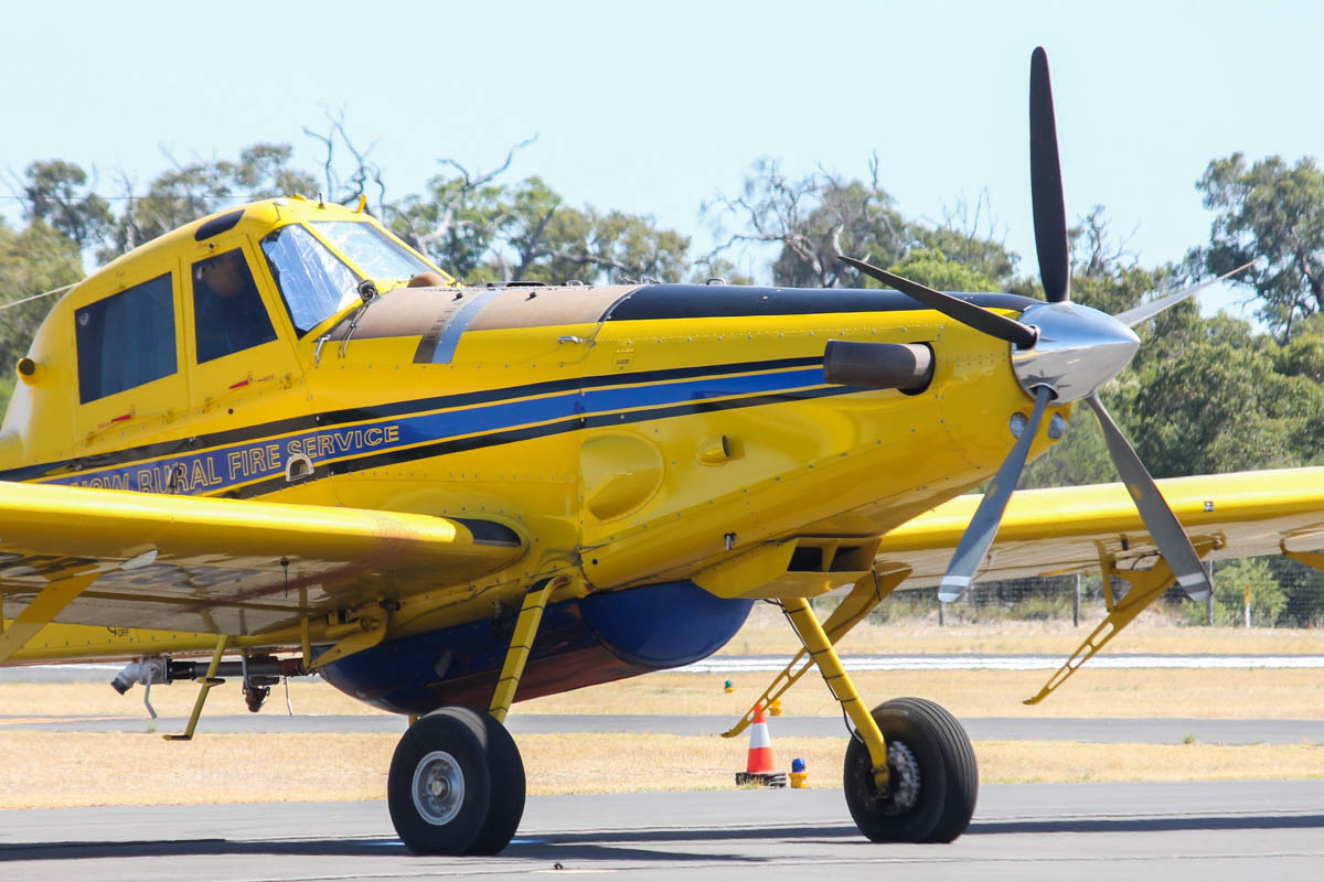 VH-XAY / BOMBER 299 Air Tractor AT-802 (MSN 802-0176) owned by Kennedy Aviation Pty Ltd of Gunnedah, NSW, at Bunbury Airport – Thu 14 January 2016. Brought over from New South Wales to help fight major fires in the area of Waroona, which had been started by lightning and destroyed nearly 200 homes. Photo © Jonathan Williams