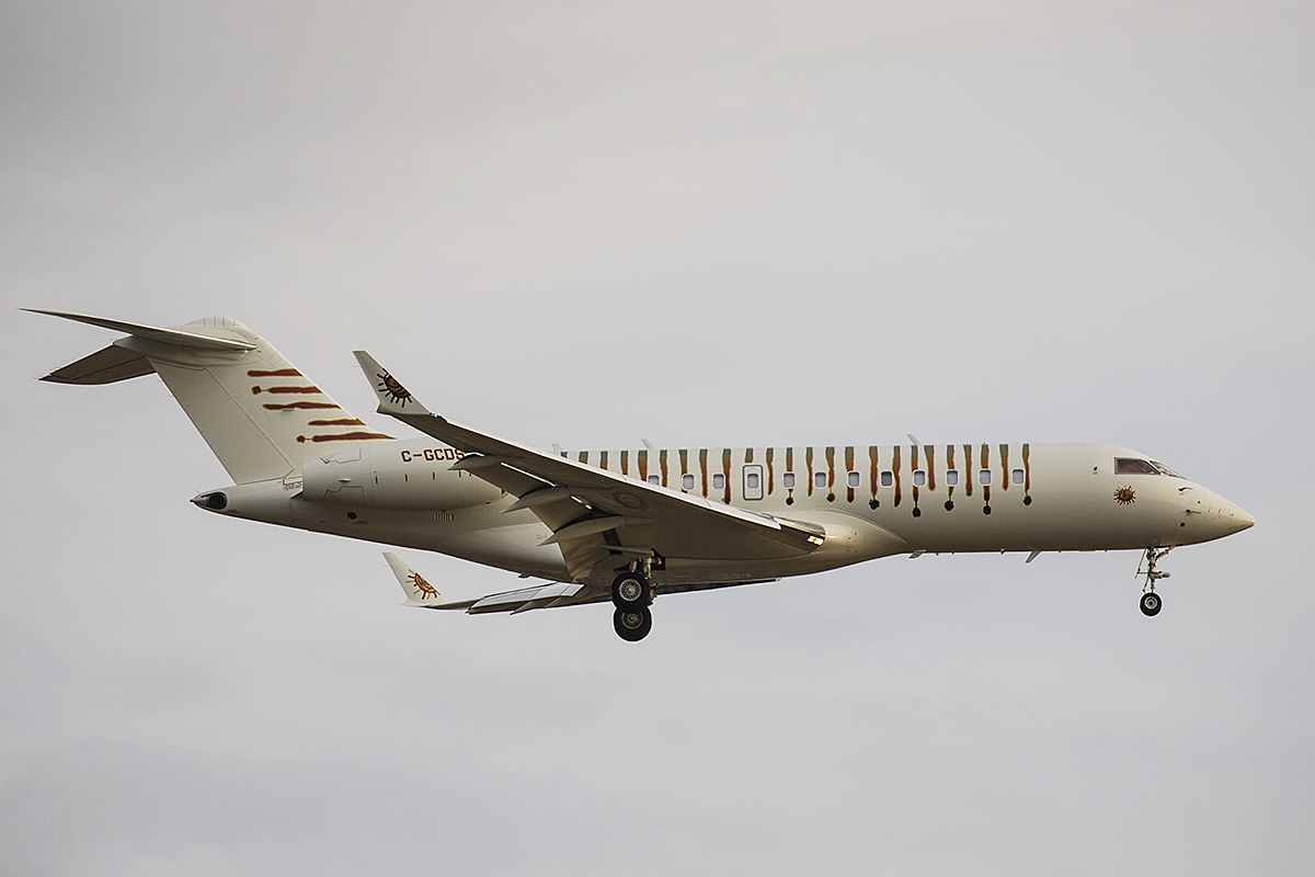 C-GCDS Bombardier BD-700-1A10 Global Express of Cirque Du Soleil at Perth Airport – 17 Jan 2016.