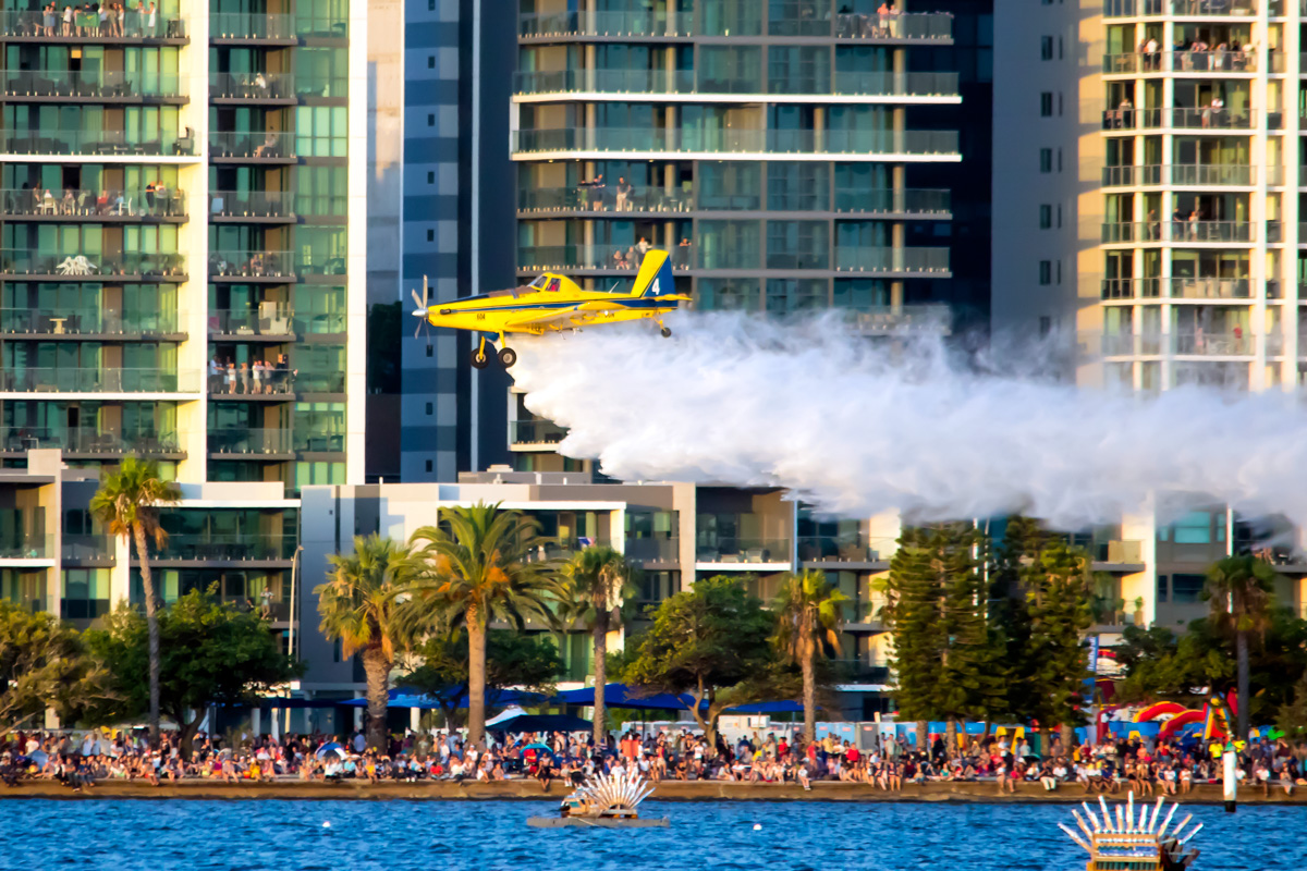 VH-DUN / BOMBER 604 Air Tractor AT-802A (MSN 802A-0328), named 'Ian Leslie', owned by Dunn Aviation, over the Swan River, Perth - Tue 26 January 2016 - Australia Day City of Perth Air Show 2016. Firefighting demonstration. Photo © Daniel Kitlar