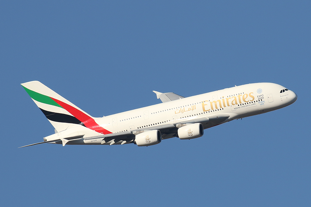 A6-EON Airbus A380-861 (MSN 188) of Emirates, over the northern suburbs of Perth – 27 Feb 2016.