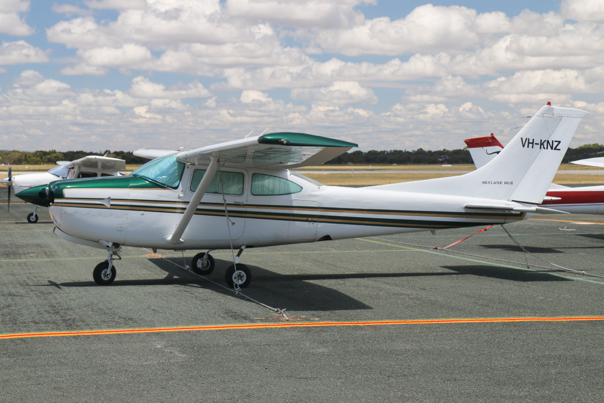 VH-KNZ Cessna R182 Skylane RG (MSN R18200130) owned by Eastmere Nominees Pty Ltd, at Jandakot Airport - Tue 26 January 2016. Built in 1978, ex N7373Y. Photo © David Eyre