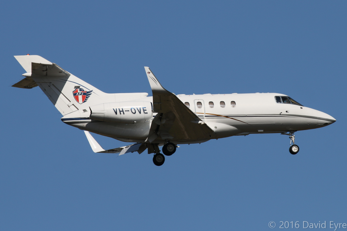 VH-OVE Hawker 800XP (MSN 258366) owned by AP Jets Pty Ltd (leased from Asia Pacific Jets Pte Ltd, Singapore), at Perth Airport – Wed 24 February 2016. On approach to runway 21 at 3:50pm as 'MEDIC 77', arriving from Seletar (Singapore) via Port Hedland. Built in 1998, ex (CS-MAI), N1133N, N894CA, VH-ZUH. Previously based at Perth when operated by Avwest as VH-ZUH. Photo © David Eyre