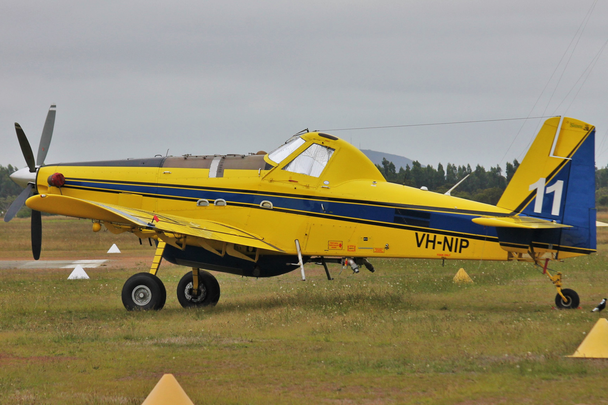 VH-NIP / BOMBER 611 Air Tractor AT-802A (MSN 802A-0492) of Dunn Aviation, named 'Shrek', at Albany Airport - Thu 3 March 2016. Under contract to the WA Government for firefighting. Built in 2013, ex N23579. Photo © Jonathan Williams