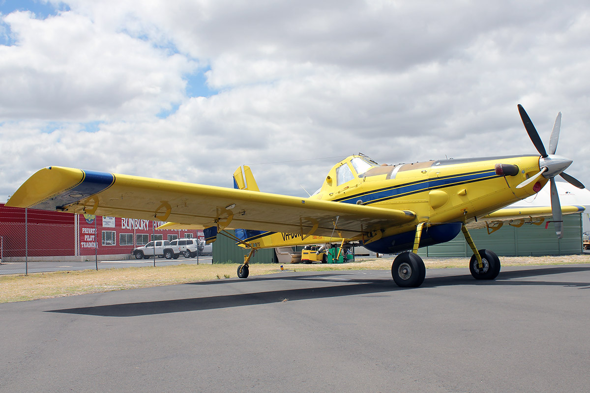 VH-DUW Air Tractor Inc. AT-802A (MSN 802A-0328) operated by Dunn Aviation PTY. LTD., at Bunbury Airport – 5 March 2016