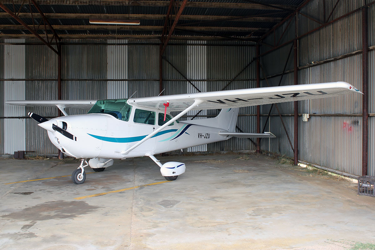 VH-JZU Cessna 172P (MSN 17274766) owned by Busselton Aviation Pty. Ltd., at Bunbury Airport – 5 March 2016