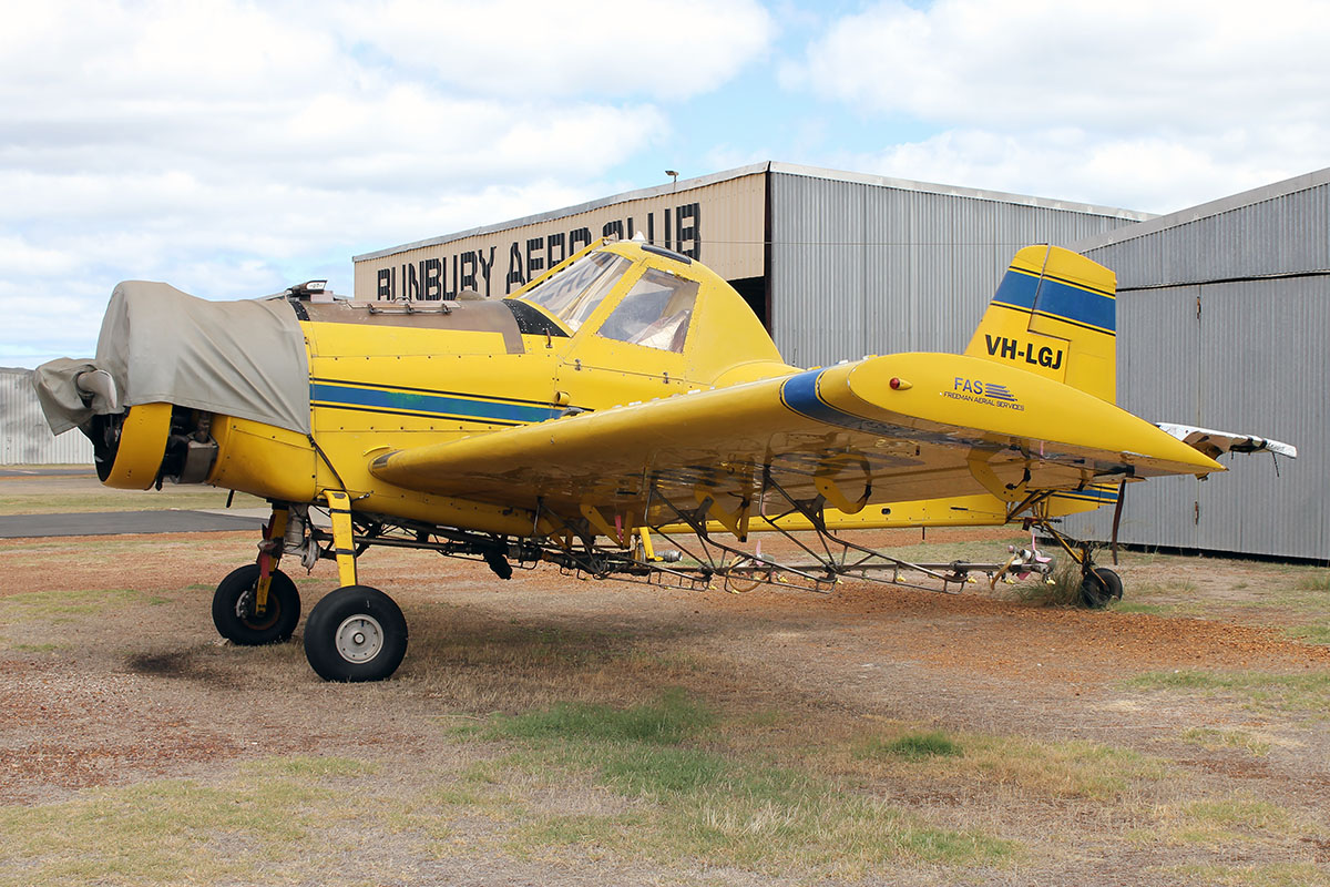 VH-LGJ Air Tractor Inc. AT-301 (MSN 301-0200) owned by Freeman Aerial Pty. Ltd., at Bunbury Airport – 5 March 2016