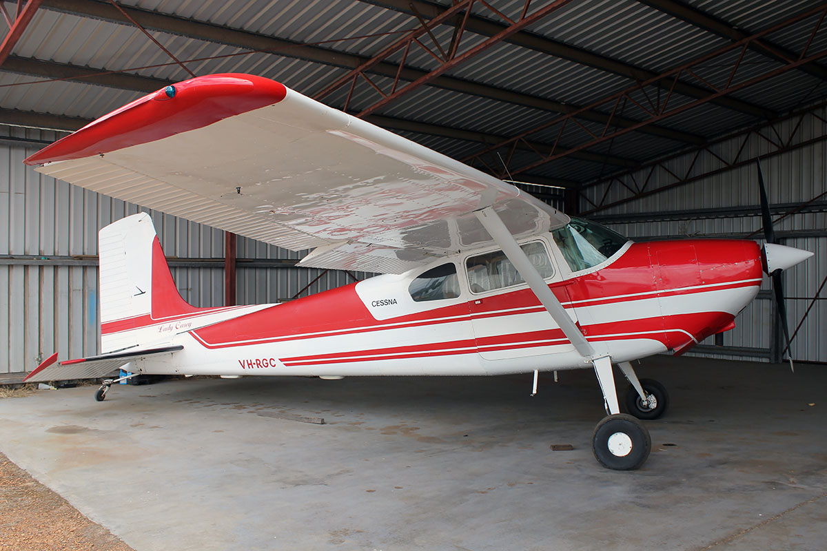 VH-RGC Cessna 180 (MSN 32450) owned by Stanely Haoust, at Bunbury Airport – 5 March 2016