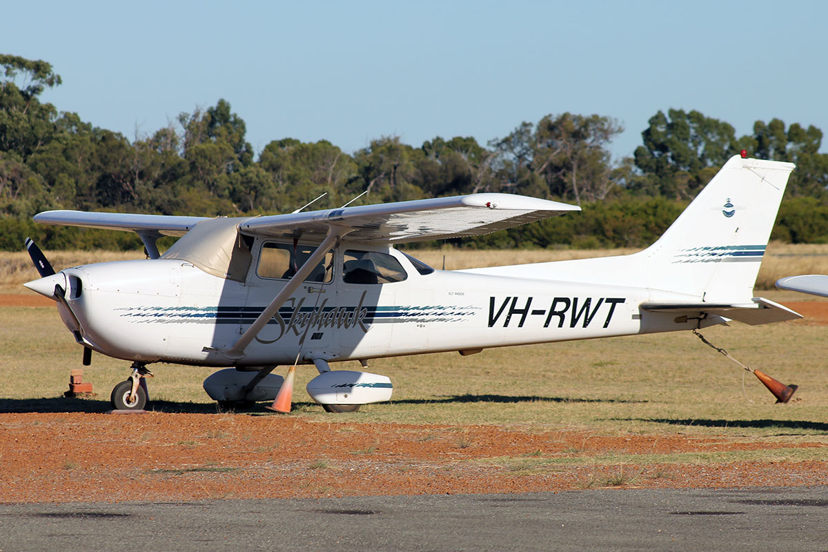 VH-RWT Cessna 172R (MSN 17280374) owned by the Royal Aero Club of Western Australia Inc., at Murray Field – 5 March 2016.