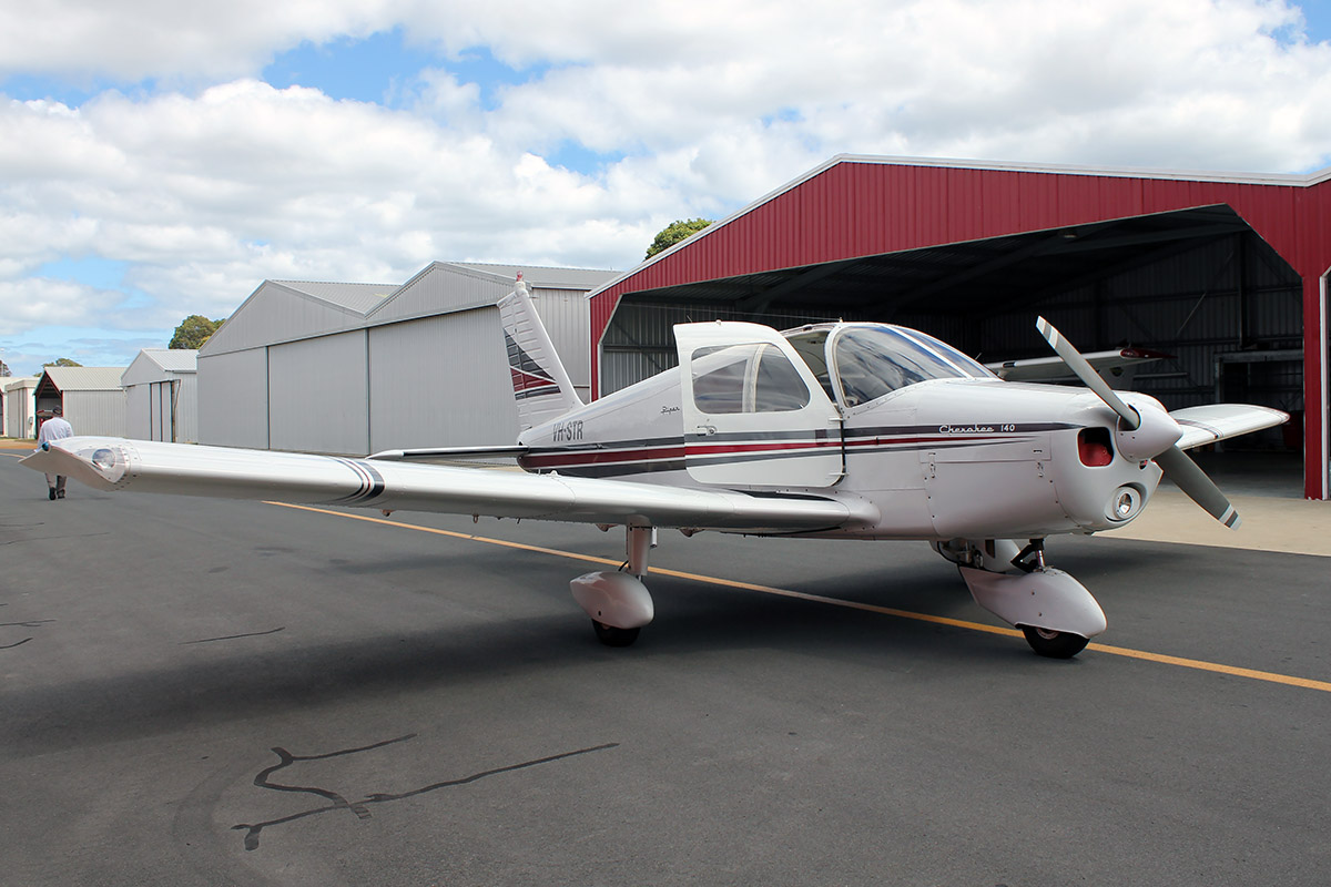 VH-STR Piper PA-28-140 (MSN 28-23248) owned by Michael Severn, at Bunbury Airport – 5 March 2016
