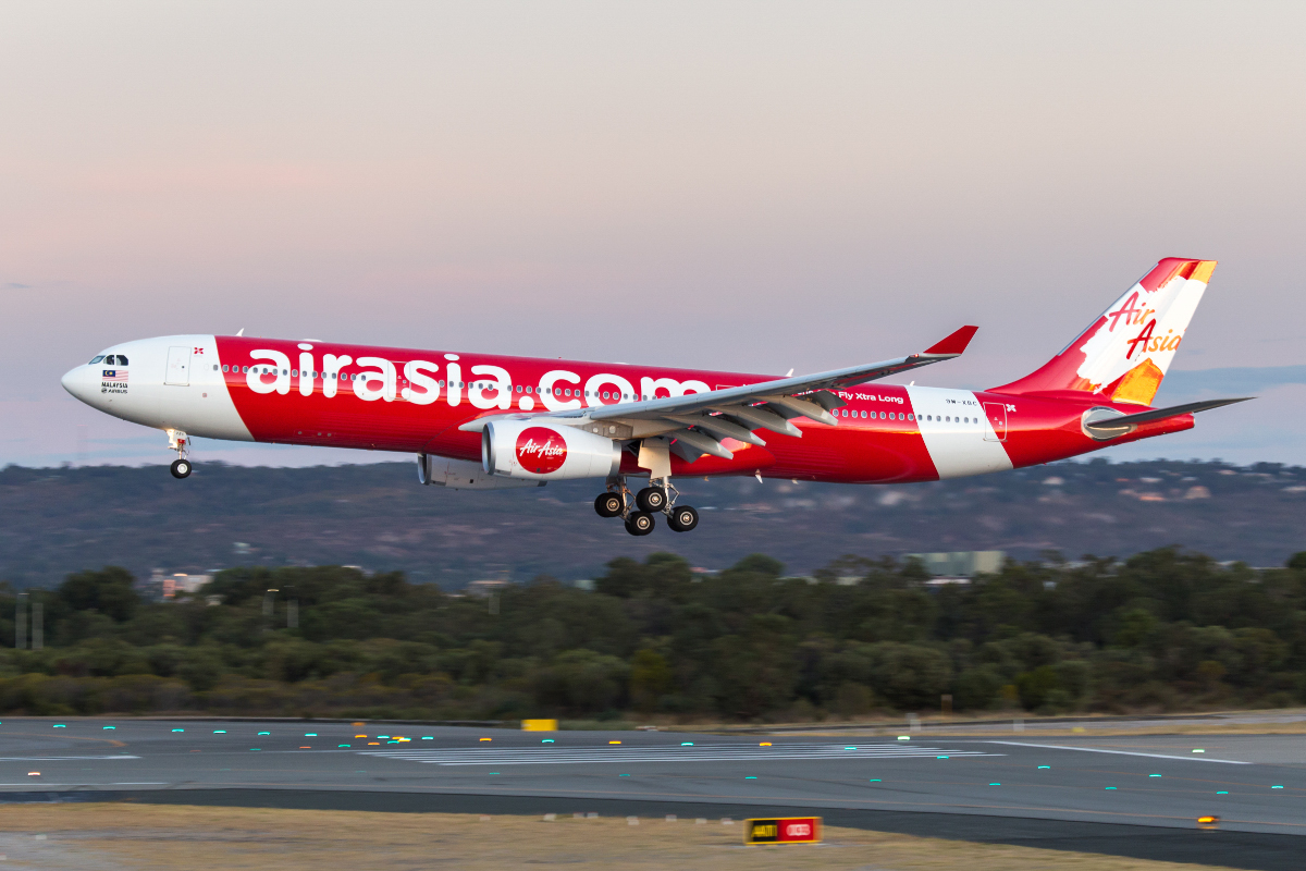 9M-XBC Airbus A330-343X (MSN 1659) of AirAsia X, at Perth Airport - Sun 13 March 2016. On its third visit to Perth, this new A330 is seen landing on runway 03 at 6:35pm, arriving 3 hours late from Kuala Lumpur as flight D7232. This aircraft first flew on 26 Nov 2015 as F-WWYG, but delivery was delayed by the airline. The aircraft was flown from Toulouse to Lourdes in southern France on 30 Dec 2015, and it was finally delivered on 20 February 2016. It made its first visit to Perth on 28 Feb 2016. Photo © Marcus Graff