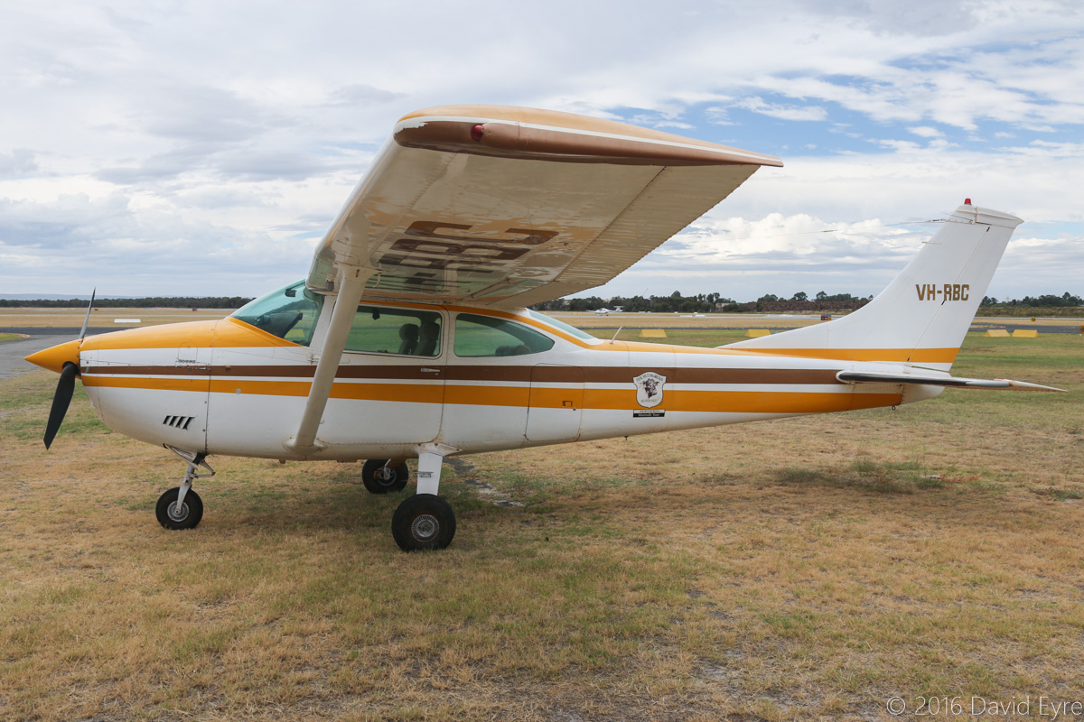 VH-RBC Cessna 182P Skylane (MSN 18261119) owned by Bruce Maguire of Turee Station, near Newman, WA, at Jandakot Airport - Sat 19 March 2016. Has a logo 'Shorthorns Australia / Shorthorns- Maternally Yours'. Built in 1972, ex N7479Q. Photo © David Eyre