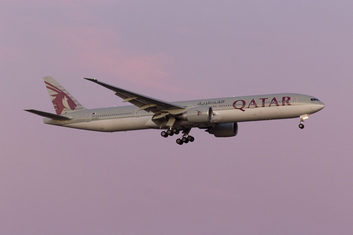 A7-BAV Boeing 777-3DZER (MSN 41740/1179) of Qatar Airways, at Perth Airport - Tue 29 March 2016. First visit to Perth by A7-BAV. Flight QR902 from Doha, on final approach to Perth Airport's runway 21 at 6:25pm. Photo © Marcus Graff