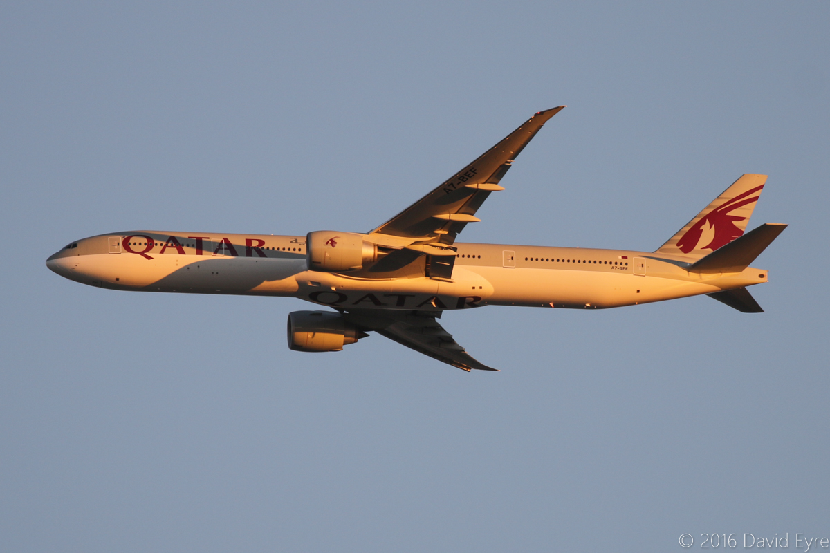 A7-BEF Boeing 777-3DZ ER (MSN 60332/1351) of Qatar Airways, over the northern suburbs of Perth - Wed 30 March 2016. Flight QR902 from Doha at 6:03pm, heading northeast along the 9 DME arc, before joining the approach to Perth Airport's runway 21. Photo © David Eyre