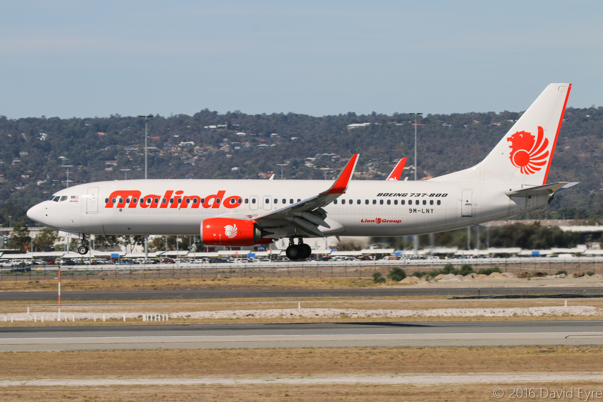 9M-LNY Boeing 737-8GP (MSN 39871/5654) of Malindo Air, at Perth Airport - Sun 3 April 2016. Flight OD151 from Kuala Lumpur, landing on runway 03 at 2:08pm. Photo © David Eyre