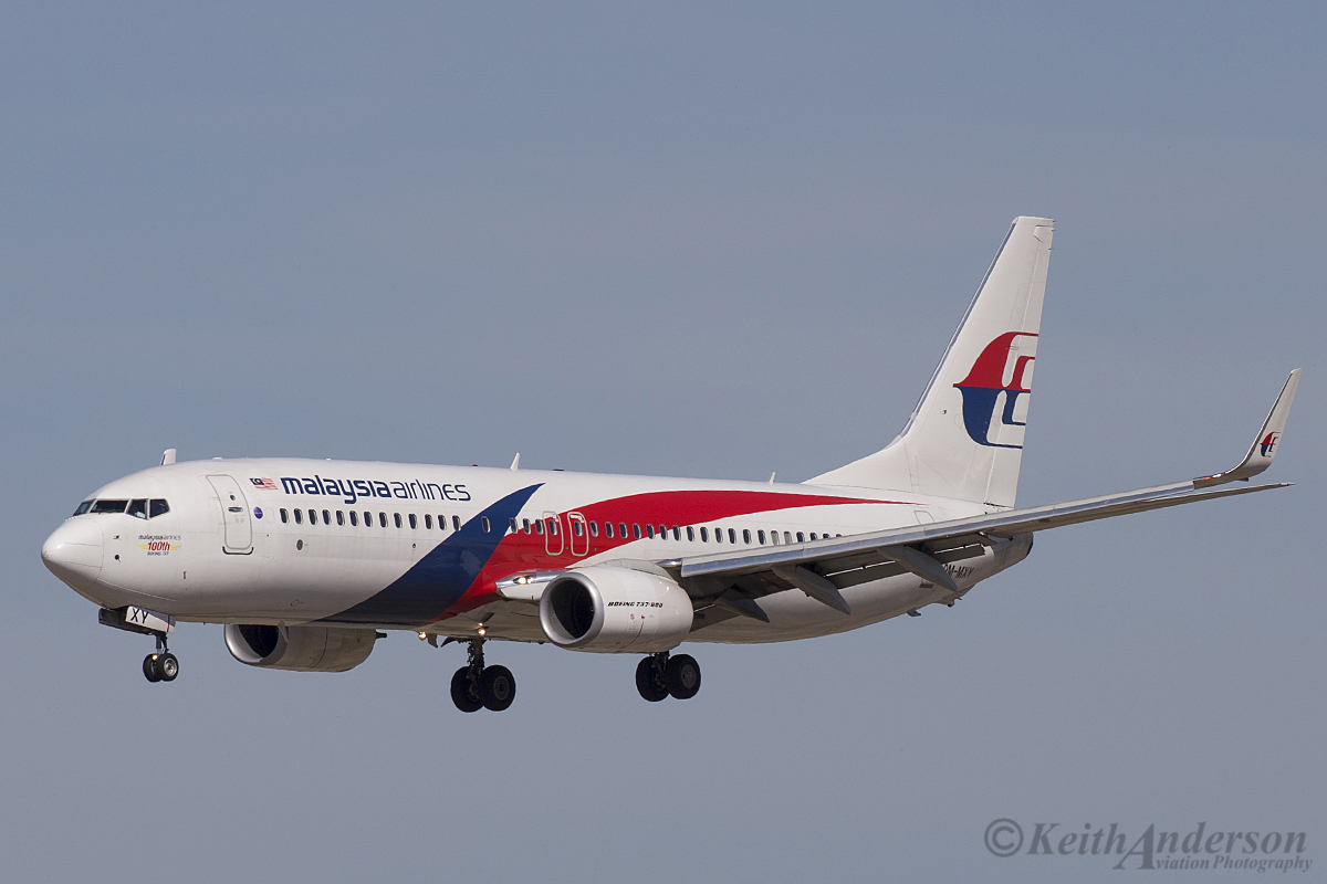 9M-MXY Boeing 737-8H6 (MSN 40162/5608) of Malaysia Airlines at Perth Airport – 3 April 2016. Landing on runway 03 at 2:08 pm, wearing 'Malaysia Airlines 100th Boeing 737' titles on the nose.