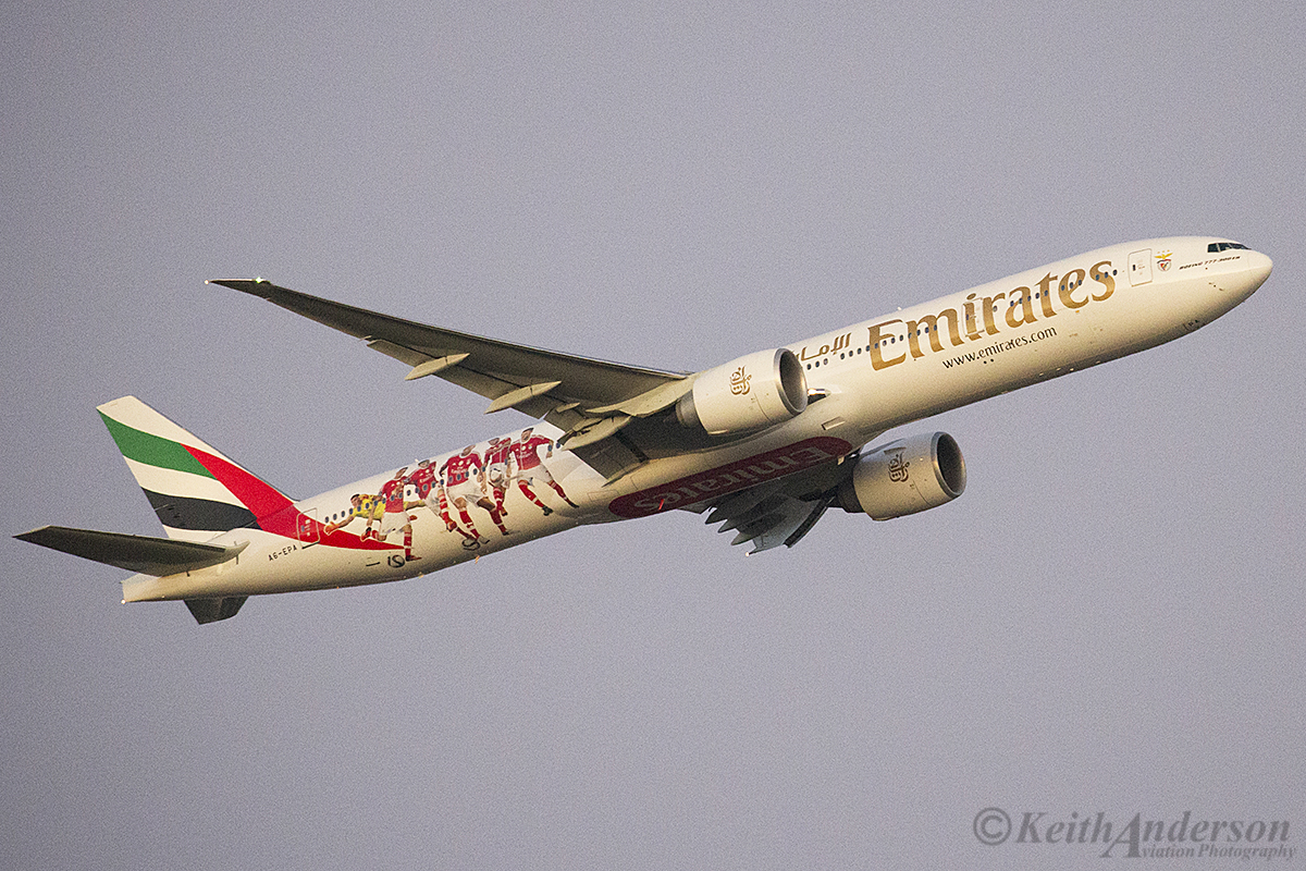 A6-EPA Boeing 777-31H/ER (MSN 42320) of Emirates at Perth Airport – 3 April 2016.