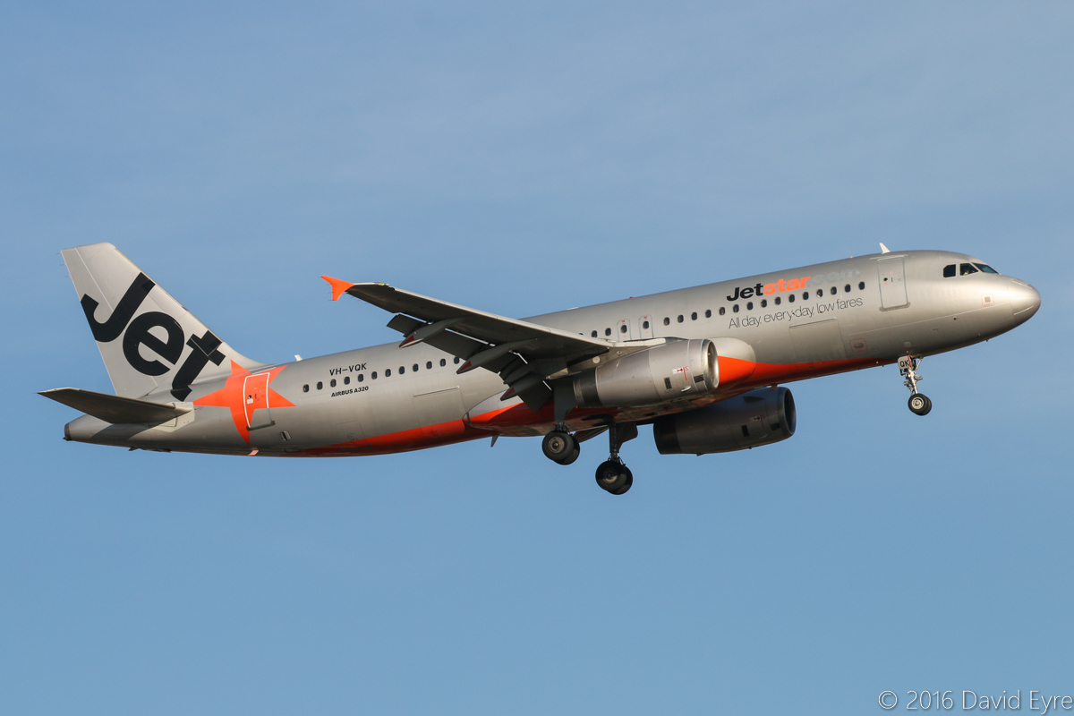 VH-VQK Airbus A320-232 (MSN 2651) of Jetstar, at Perth Airport - Sun 3 April 2016. Flight JQ974 from Adelaide, on final approach to runway 24 at 4:38pm. Photo © David Eyre