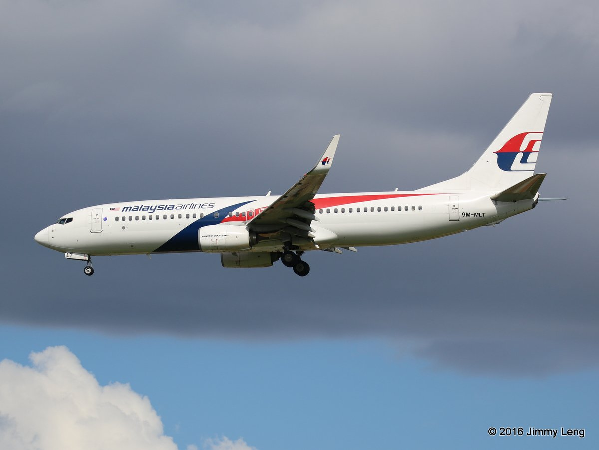 9M-MLT Boeing 737-8H6 (MSN 39334/4656) of Malaysia Airlines, at Perth Airport - Sun 10 April 2016. Flight MH121 from Kota Kinabalu, on final approach to runway 06 at 2:06pm. Photo © Jimmy Leng