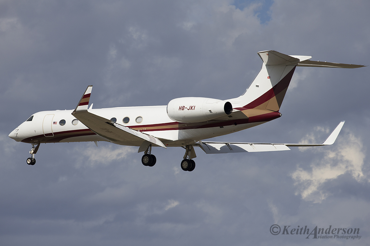 HB-JKI Gulfstream Aerospace GV-SP (G550) (MSN 5355) of Malaysian Jet Services at Perth Airport – 10 April 2016.