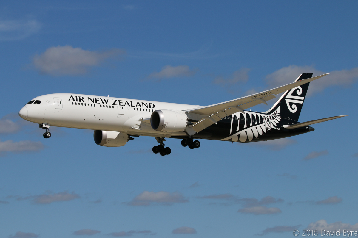 ZK-NZH Boeing 787-9 Dreamliner (MSN 37964/351) of Air New Zealand, at Perth Airport - Thu 21 April 2016. Flight NZ175 from Auckland, on approach to runway 06 at 1:50pm (runway 03/21 closed for Category 3 upgrades). Photo © David Eyre