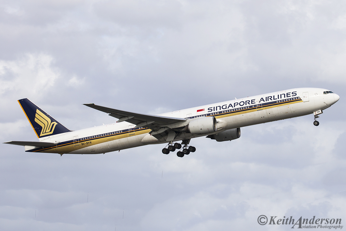 9V-SYH Boeing 777-312 (MSN 32317/420) of Singapore Airlines at Perth Airport – 29 April 2016.