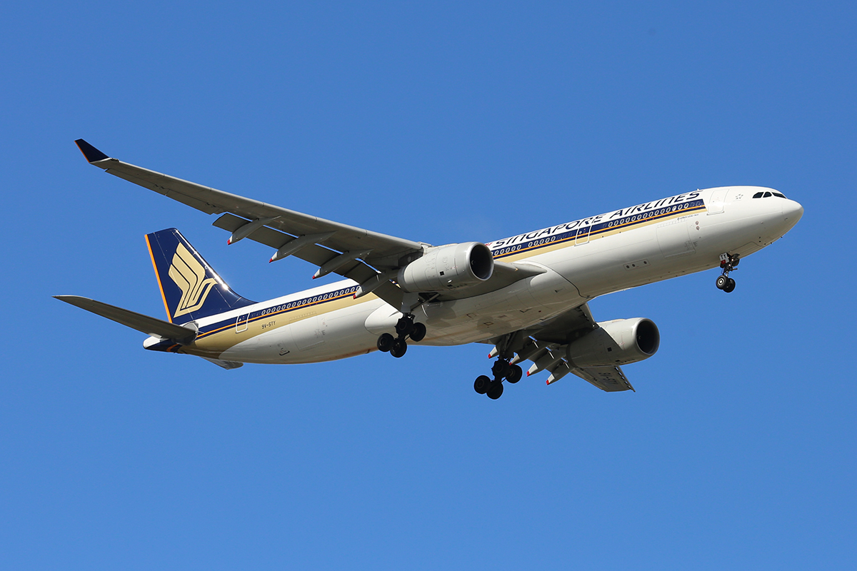 9V-STY Airbus A330-343X (MSN 1453) of Singapore Airlines at Perth Airport – 3 May 2016.
