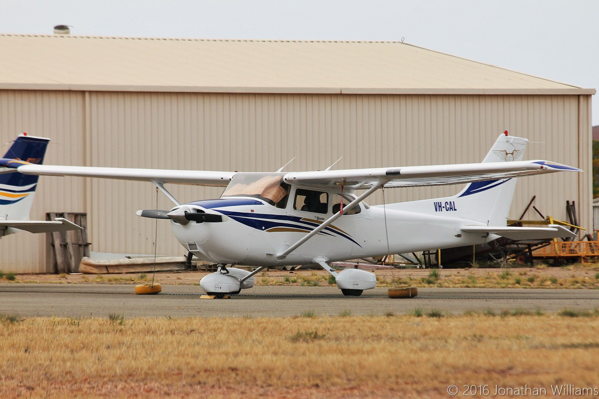 VH-CAL Cessna 172R Skyhawk (MSN 17281168) operated by Goldfields Air Services (owned by Asair Pty Ltd), at Kalgoorlie Airport - Thu 19 May 2016. Based at Kalgoorlie. Built in 2003, ex N5344L. Photo © Jonathan Williams