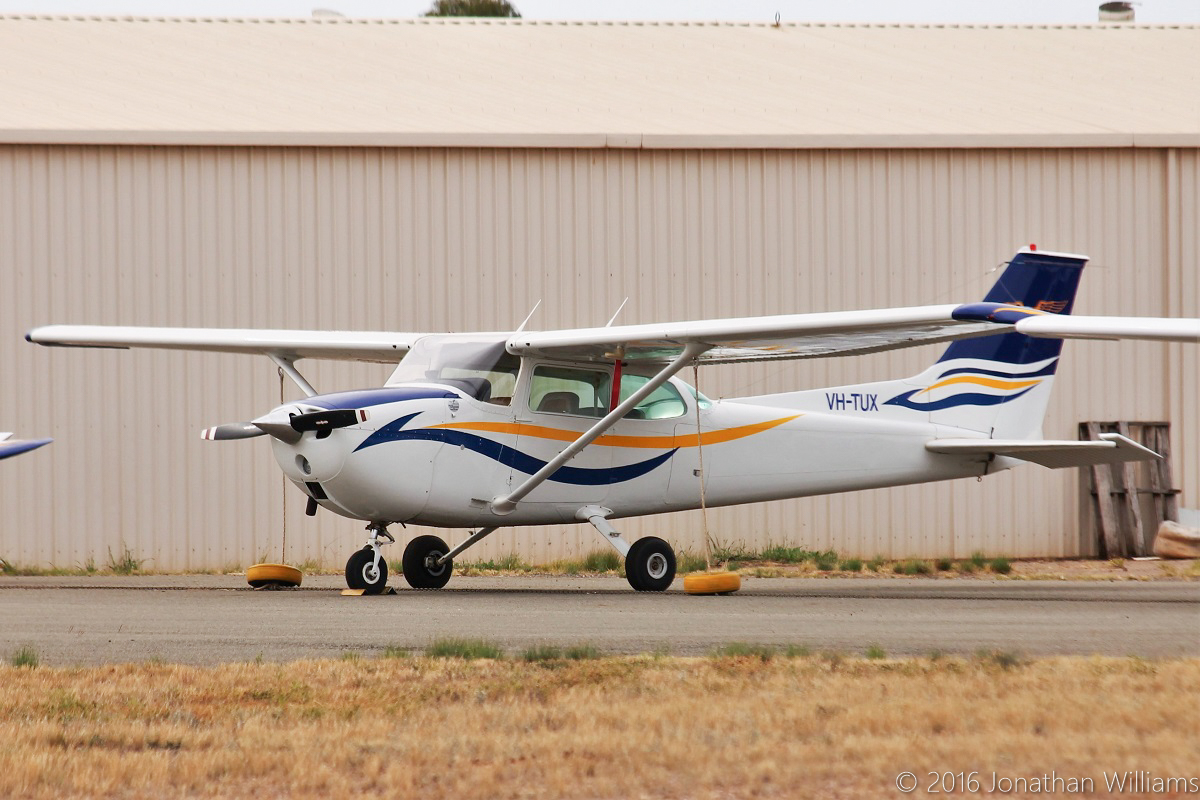 VH-TUX Cessna 172M Skyhawk (MSN 17263713) owned by Goldfields Air Services (Texrio Pty Ltd), at Kalgoorlie Airport - Thu 19 May 2016. Built in 1974, ex N1687V. Photo © Jonathan Williams