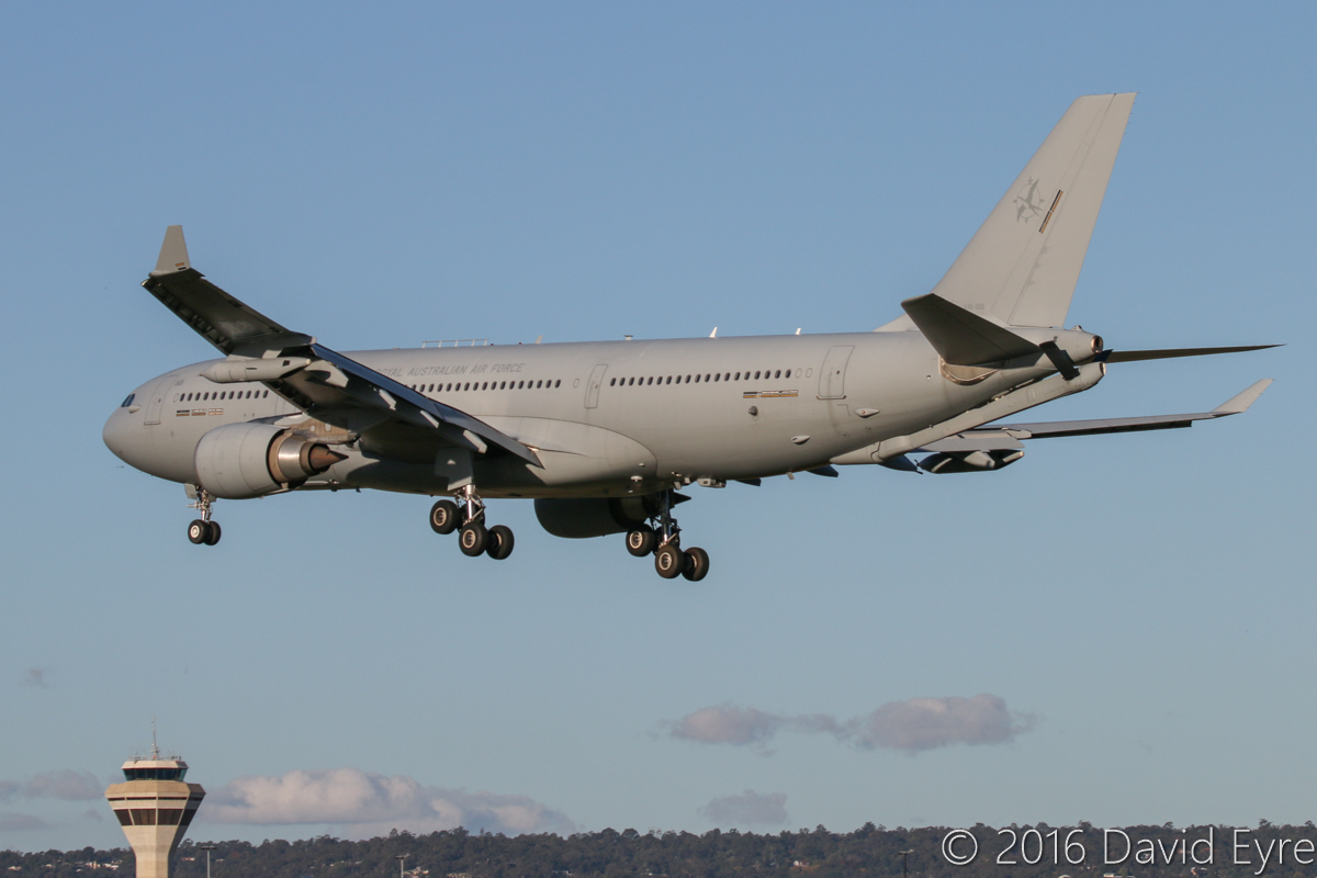 A39-005 Airbus KC-30A (A330-203MRTT) (MSN 1183) of 33 Squadron, RAAF, based at Amberley, QLD, at Perth Airport - Fri 27 May 2016. 'DRAGON 21' on final approach to runway 06 at 4:09pm, arriving from Darwin via Adelaide. Photo © David Eyre