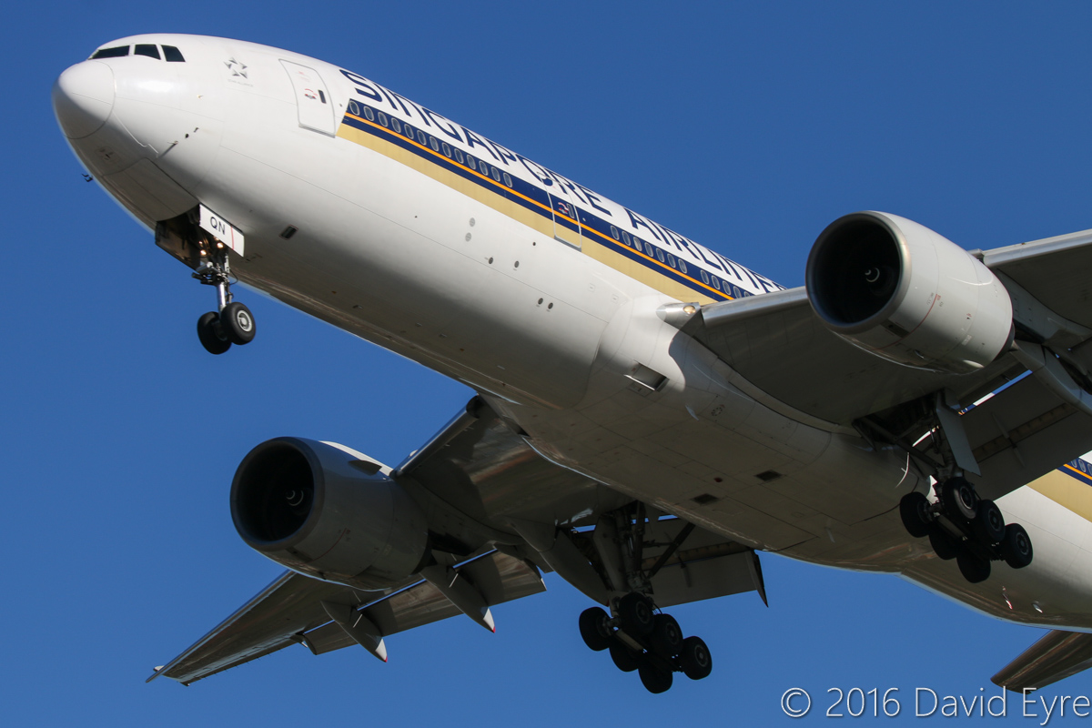 9V-SQN Boeing 777-212ER (MSN 33373/487) of Singapore Airlines, at Perth Airport – Mon 30 May 2016. Landing on runway 06 at 2:37pm as flight SQ223 from Singapore. Photo © David Eyre