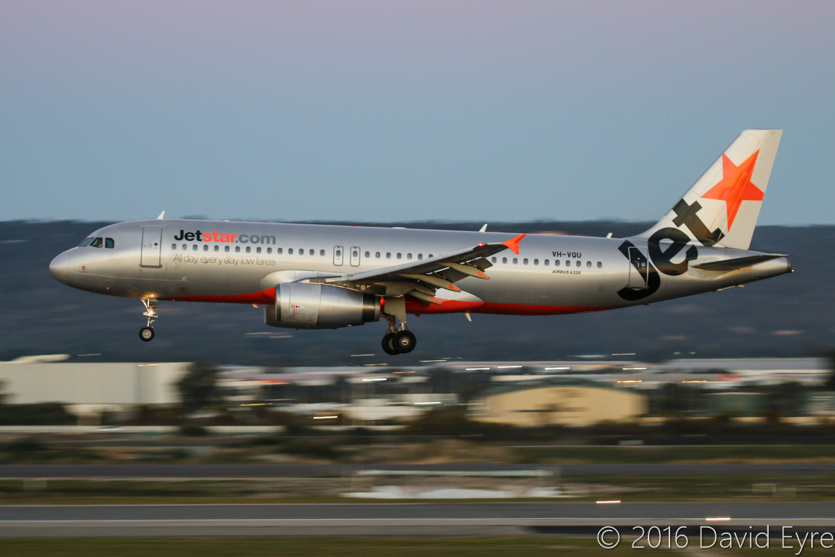 VH-VQU Airbus A320-232 (MSN 2455) of Jetstar at Perth Airport – Wed 1 June 2016. Flight JQ976 from Melbourne, landing on runway 03 at 5:27pm Photo © David Eyre