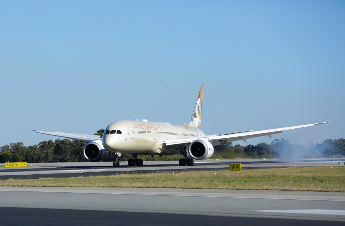 A6-BLG Boeing 787-9 Dreamliner (MSN 39652/432) of Etihad, at Perth Airport - Thu 2 June 2016. A6-BLG's first visit to Perth, and the beginning of regular Boeing 787-9 Dreamliner services to Perth by Etihad, replacing the Airbus A330-200. Flight EY486 from Abu Dhabi is seen landing on runway 06 at 1:22pm. Photo © Russell Barton, used with permission of Etihad Airways