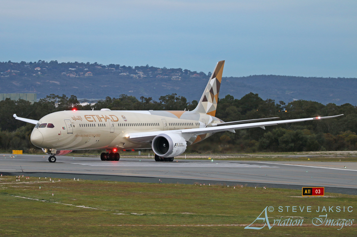 A6-BLF Boeing 787-9 Dreamliner (MSN 39651/416) of Etihad Airways, at Perth Airport - Sat 11 June 2016. Flight EY487 to Abu Dhabi at 5:06pm, lining up on runway 03 for take-off. Photo © Steve Jaksic